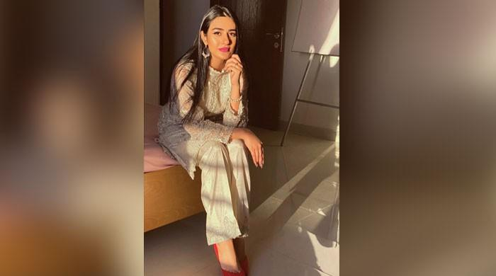 Sarah Khan wins hearts with dreamy, ethnic look