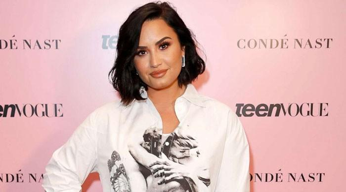 Demi Lovato surprises fans with a new hair look