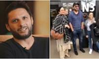 'Baita idhar aao': Woman fails to recognise Shahid Afridi at airport