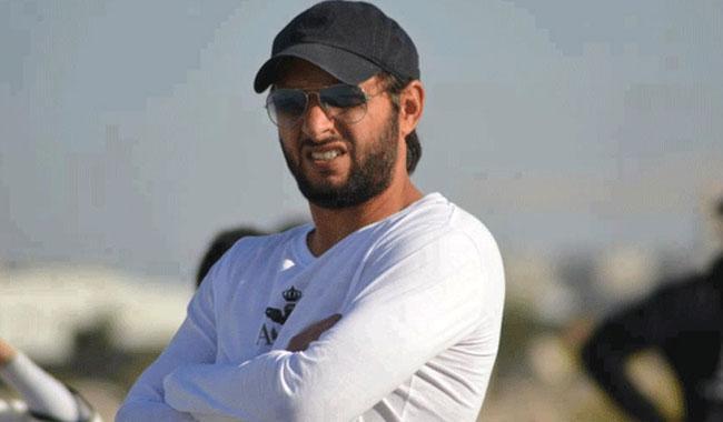 Shahid Afridi bats for Mohammad Amir