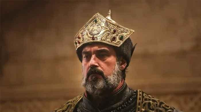 Ertugrul's Sultan Alaaddin looks dashing in new pictures