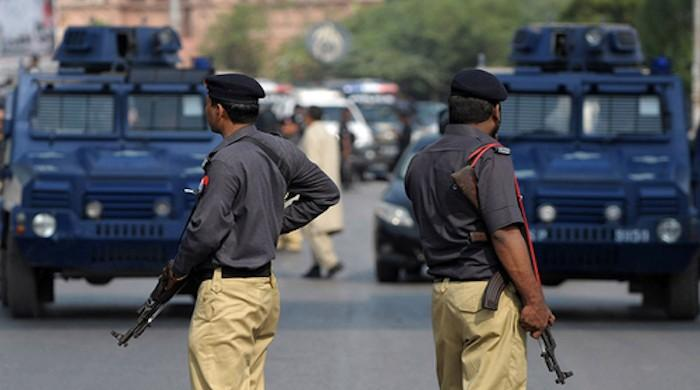 More than 5,000 Sindh police officials have signed contracts on Cove 19