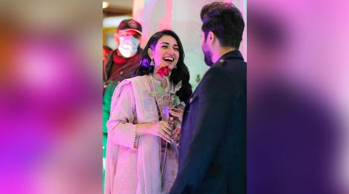 Sarah Khan, Falak Shabir's PDA-filled snaps wins hearts