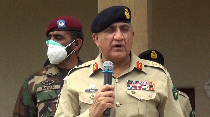 Army Chief briefs on situation with working boundary, operational readiness in Sialkot garrison