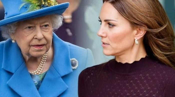 Buckingham Palace blasted after Kate Middleton given 'direct line' to the Queen