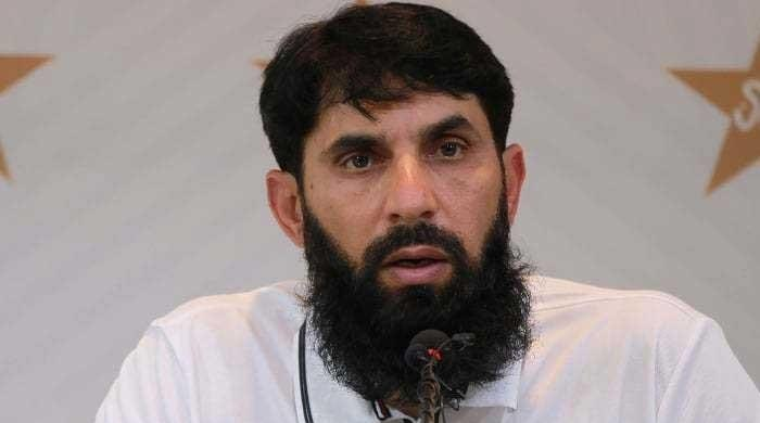Misbah says he will not be bothered to talk about his future