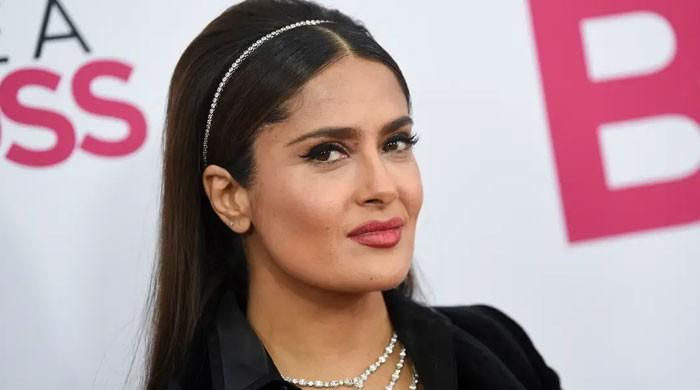 Salma Hayek dresses to the nines to enjoy some tacos