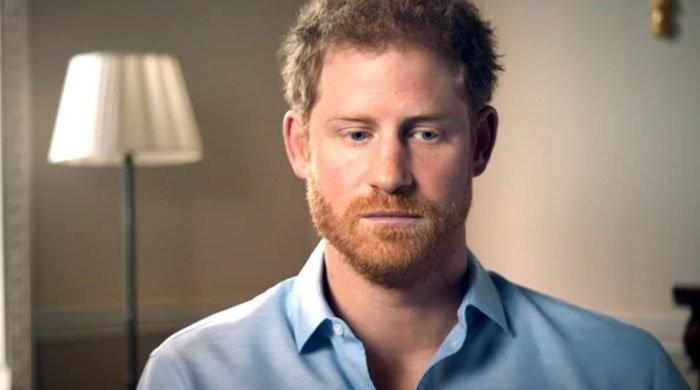 'Queen Elizabeth should axe Prince Harry from line of succession'