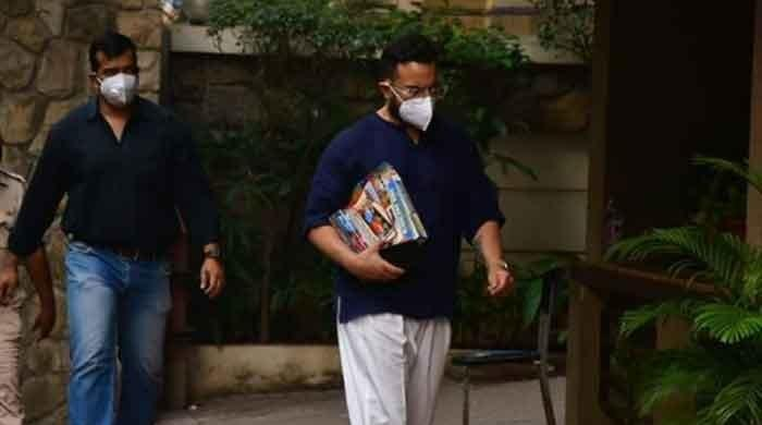 Saif Ali Khan spotted carrying toys before arrival of second child with Kareena Kapoor