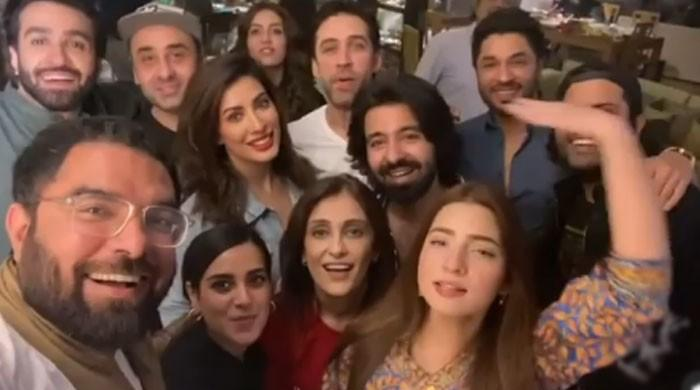 Mehwish Hayat, Yasir Hussain, Iqra Aziz join 'Pawri' girl for a fun video