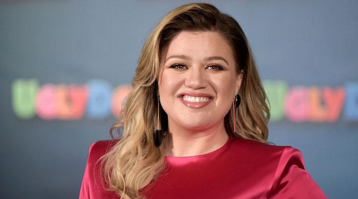 Kelly Clarkson sings Jill Biden's song-of-choice at White House special