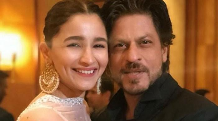 Shah Rukh Khan announces his first collaboration with Alia Bhatt for film 'Darlings'