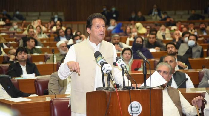 After the victory of confidence, politicians and sports personalities congratulated the Prime Minister