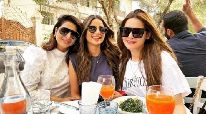 Ladies day out: Minal Khan brunches with Saboor Aly, Areeba Habib