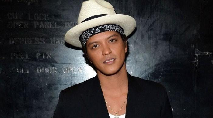 Bruno Mars fan robbed of huge money in his name