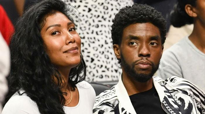 Chadwick Boseman's widow accepts his NAACP Image Award with a tearful speech
