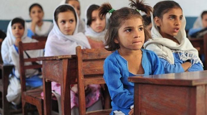 The Sindh Corona Virus Task Force has directed the provincial government to consider keeping the school closed for two weeks