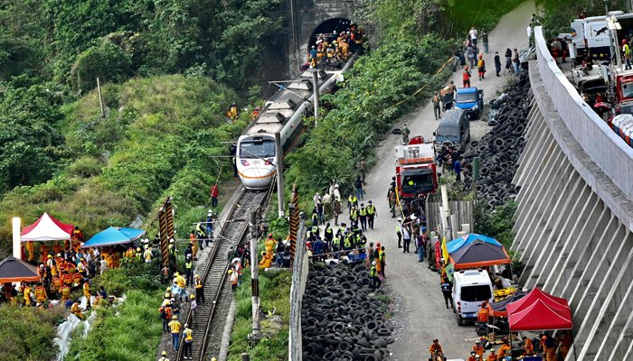 41 dead in Taiwan train crash: fire agency