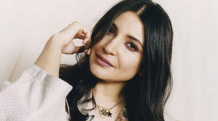Anushka Sharma shares a funny BTS video with Virat Kohli: Watch