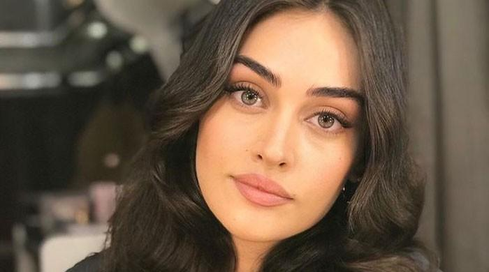 'Ertugrul' star Esra Bilgic wins hearts with her dance moves, video goes viral