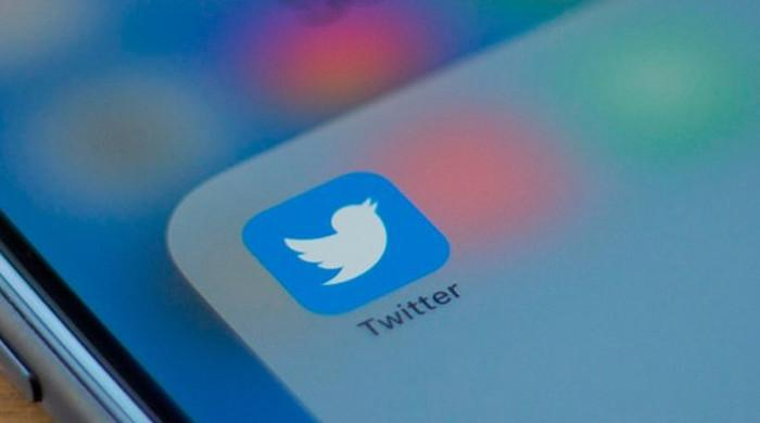Twitter users face outage again