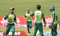 Pakistan defeats Zimbabwe, leads T20I series 1-0
