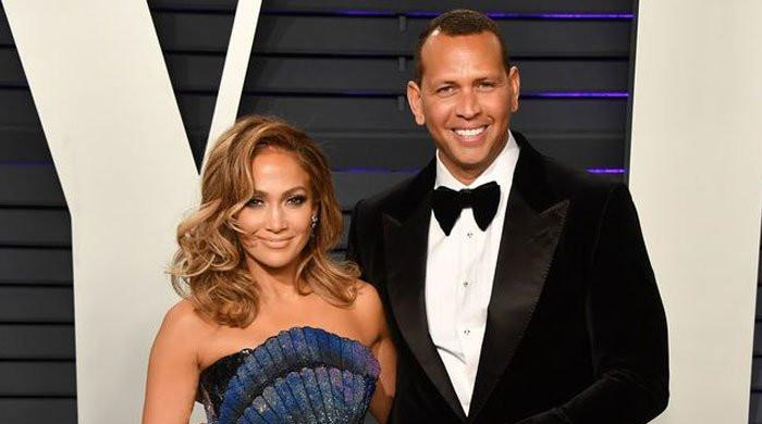 Alex Rodriguez wants to win back Jennifer Lopez
