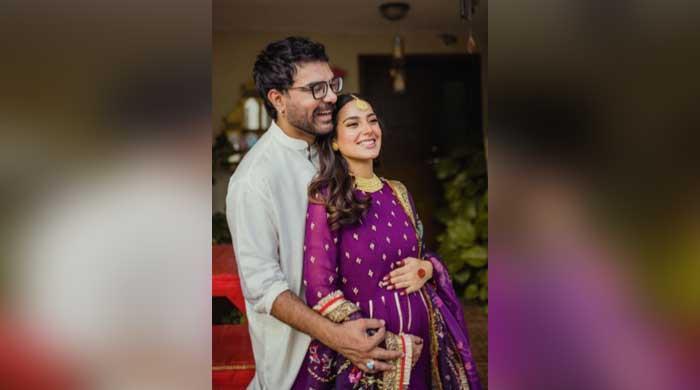Iqra Aziz, Yasir Hussain announce pregnancy
