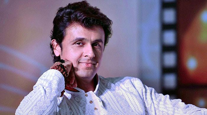 Sonu Nigam urges fans to donate blood after covid-19 shortage