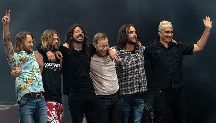849465 4521979 Foo Fighters 2 updates |