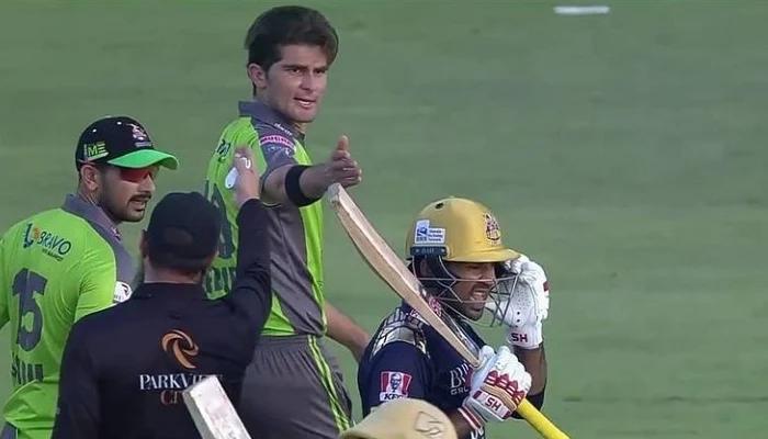 Watch: Shaheen Afridi, Sarfaraz Ahmed exchange heated words in PSL 2021 clash