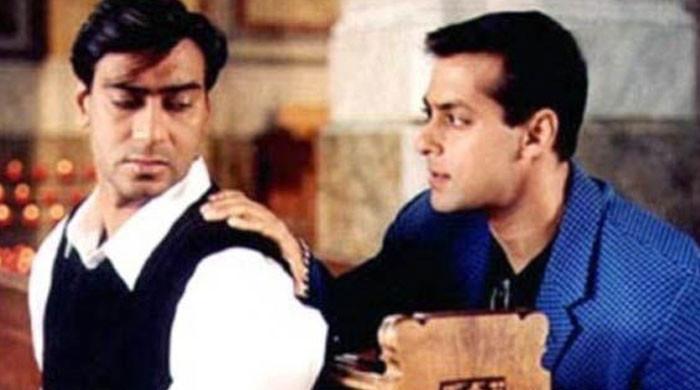 Ajay Devgn marks 22 years of 'Hum Dil De Chuke Sanam'
