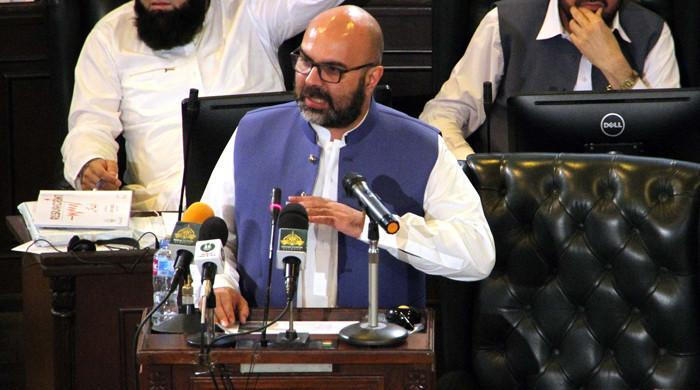 KP govt presents Rs1,118.3bn budget  for FY2021-22; proposes Rs371bn for ADP