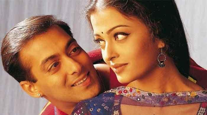 Aishwarya Rai ignores Salman Khan as she celebrates 22 years of 'Hum Dil De Chuke Sanam'