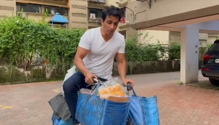 Sonu Soods delivers eggs, bread on bicycle: Watch here