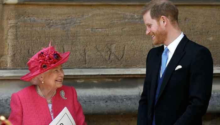La regina Elisabetta fa una visita a sorpresa al principe Harry pochi minuti dopo il suo arrivo a Frogmore Cottage
