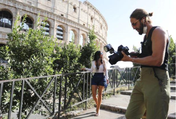 Kim Kardashian hits the Colosseum amid solo Italy trip
