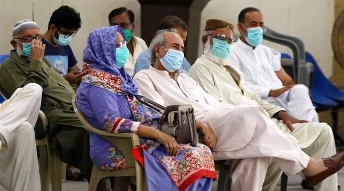 After nearly a week, Pakistan reports fewer than 1,000 daily COVID-19 cases