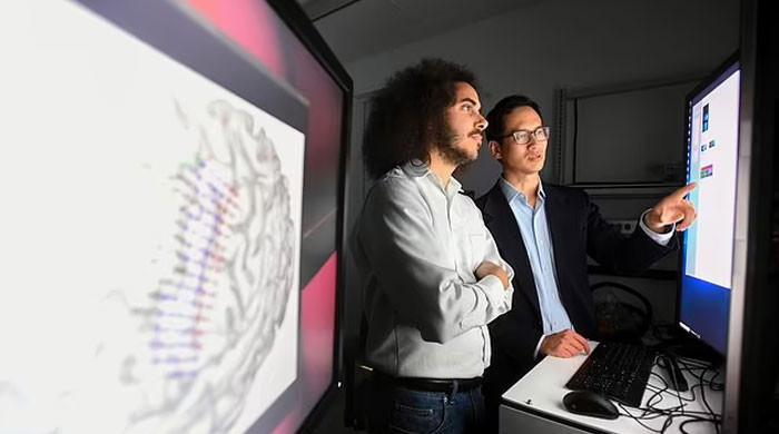 US scientists convert paralyzed man's brain waves to speech