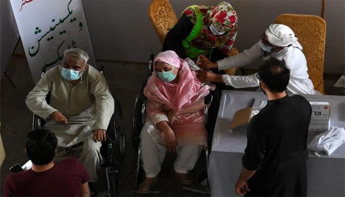 Active COVID-19 case count crosses 45,000 mark in Pakistan