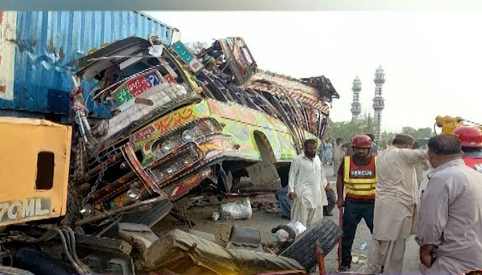 Deadly accident claims 25 lives in Dera Ghazi Khan