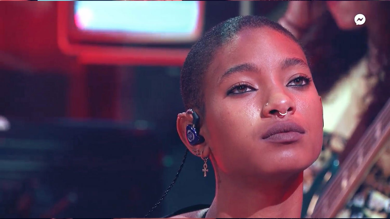 Video: Willow Smith has her head shaved while performing 'Whip My Hair'