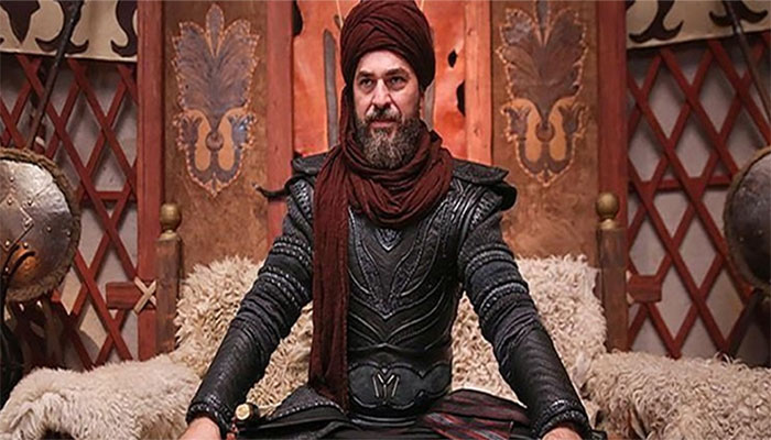 'Ertugrul' star Engin Altan's stunning photos from Eid holidays take the internet by storm