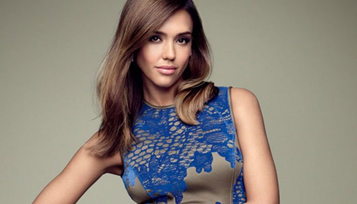 Jessica Alba touches on therapy sessions with daughter Honor