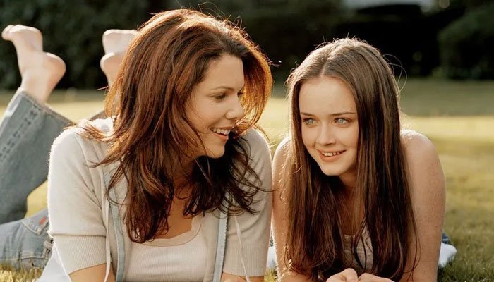 Lets look back at all the clues we have about a possible season two of Gilmore Girls: A Year in the Life!