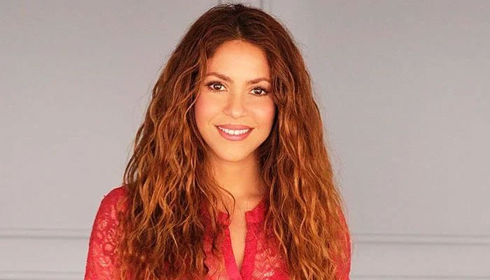 Shakira under fire for evading taxes worth £13,000,000 in Spain