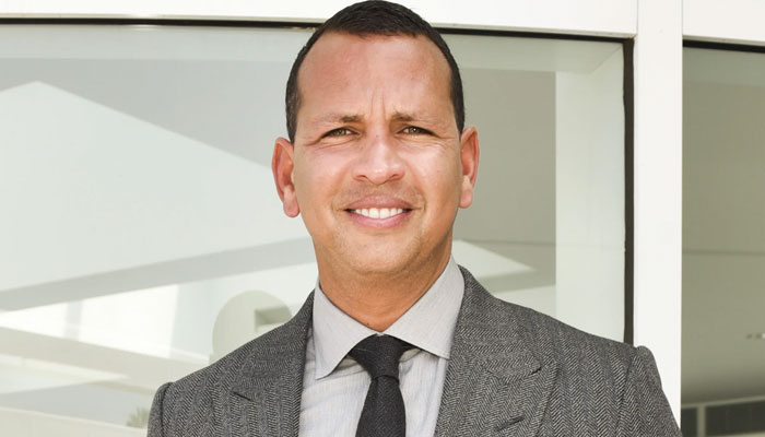 Alex Rodriguez shows off his fit physique in shirtless picture on a yacht