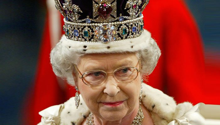 Queen wins support amid anti-monarchy campaign around UK