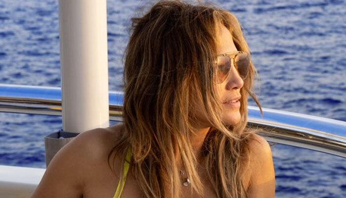 Jennifer Lopez displays her killer curves as she shares new sizzling snap