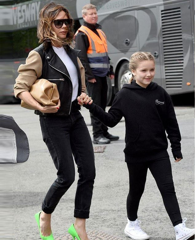 Victoria Beckham shares sweet snap of her and daughter Harper